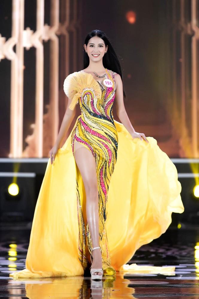 Tân Hoa khôi Sinh viên chia sẻ điều quý giá có được từ Hoa hậu Việt Nam 2020 - ảnh 5