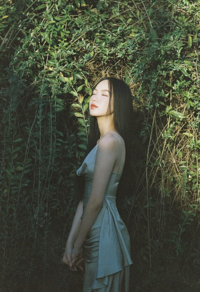 Cô gái có làn da đẹp nhất Hoa hậu Việt Nam 2020 xinh 'mong manh như sương khói'  - ảnh 5