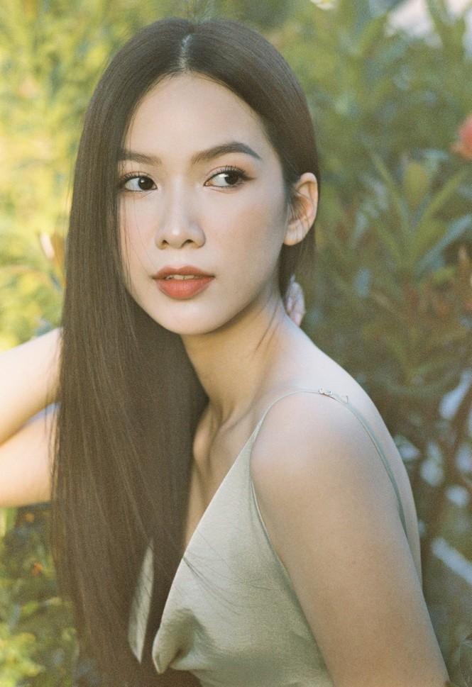 Cô gái có làn da đẹp nhất Hoa hậu Việt Nam 2020 xinh 'mong manh như sương khói'  - ảnh 10