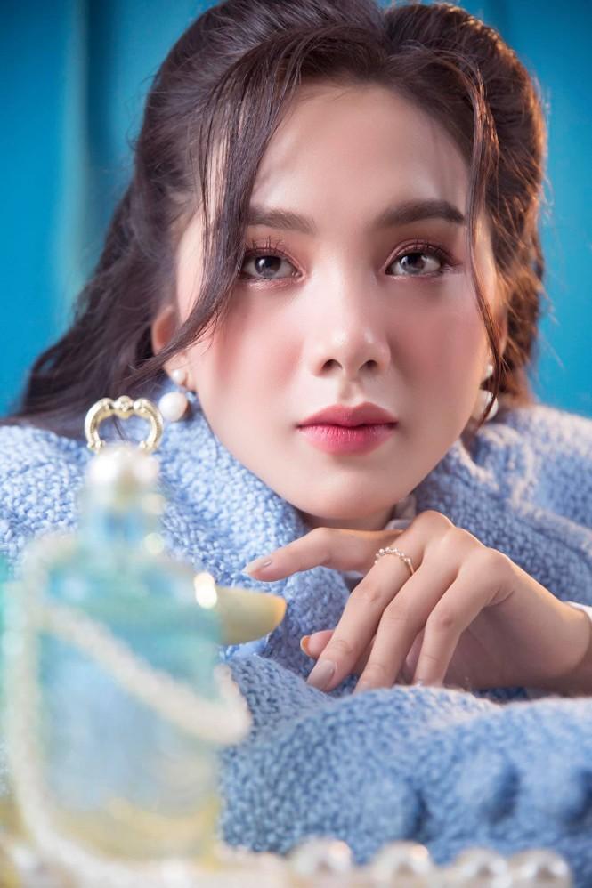 Nhan sắc người đẹp Hoa hậu Việt Nam vừa là 'bản sao' Baifern lại có nét của Lý Nhã Kỳ - ảnh 2