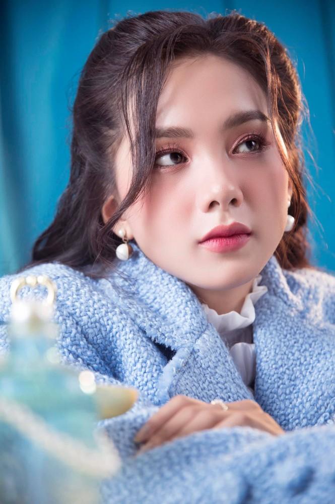 Nhan sắc người đẹp Hoa hậu Việt Nam vừa là 'bản sao' Baifern lại có nét của Lý Nhã Kỳ - ảnh 4