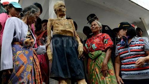 Hình ảnh Sự thật chuyện xác chết đội mồ tìm đường về nhà ở Indonesia số 2
