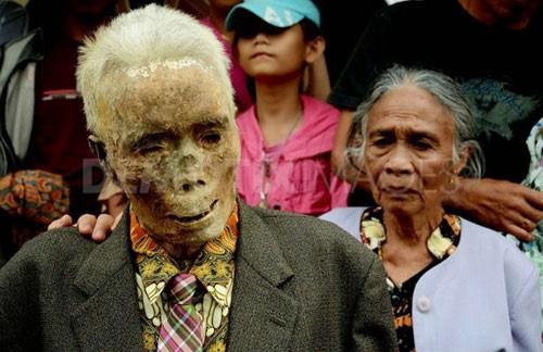 Hình ảnh Sự thật chuyện xác chết đội mồ tìm đường về nhà ở Indonesia số 3