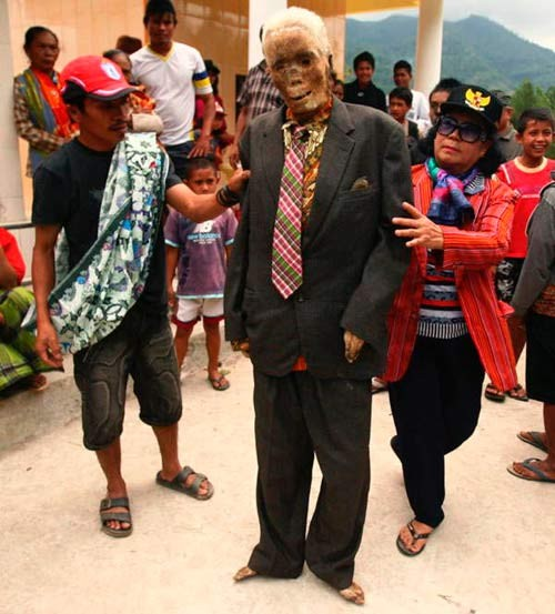 Hình ảnh Sự thật chuyện xác chết đội mồ tìm đường về nhà ở Indonesia số 4