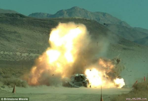 Vũ khí quân sự khắc tinh của xe tăng chính là tên lửa diệt tăng Brimstone