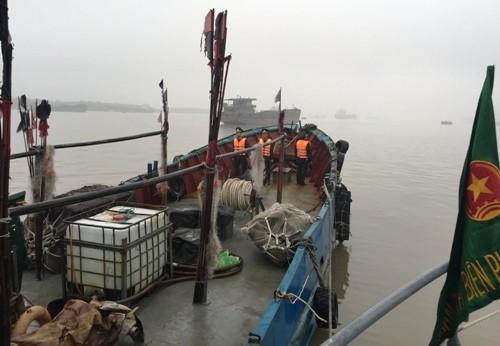 Chuyến tuần tra bắt giữ tàu Trung Quốc xâm phạm chủ quyền Việt Nam - ảnh 2