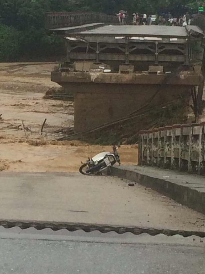 Lũ dữ tàn phá miền tây Yên Bái: 15 người chết và mất tích - ảnh 1