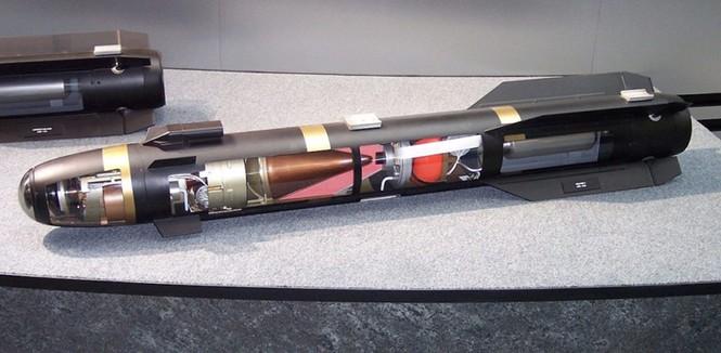 1001 thắc mắc: Tên lửa nào mang 6 lưỡi kiếm chuyên dùng để ám sát? - ảnh 8