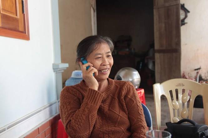 Mẹ Công Phượng có quyết định về việc đài thọ của Vietnam Airlines - ảnh 2
