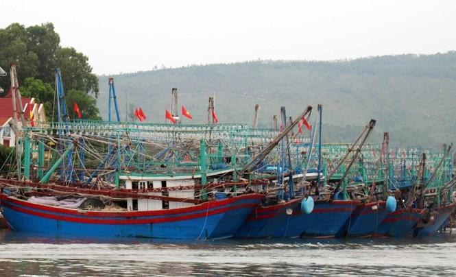 Nghệ An: Miền núi xả hồ thủy lợi, ki ốt miền biển đóng cửa ứng phó bão Podul - ảnh 3