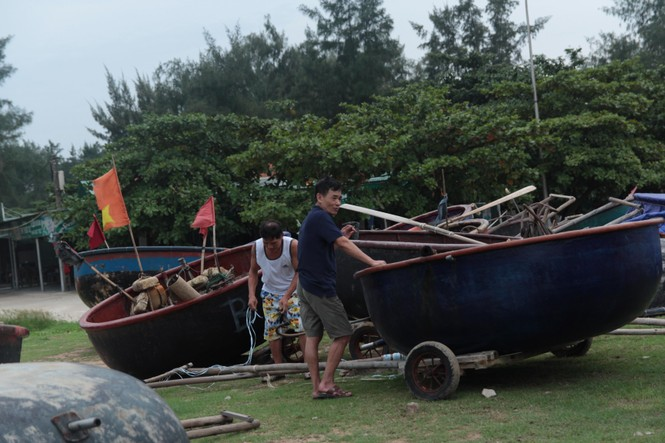 Nghệ An: Miền núi xả hồ thủy lợi, ki ốt miền biển đóng cửa ứng phó bão Podul - ảnh 2