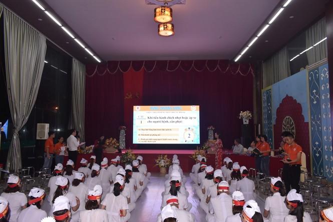 Những nữ y, bác sỹ rạng rỡ trong cuộc thi Rung chuông vàng tại Nghệ An - ảnh 2