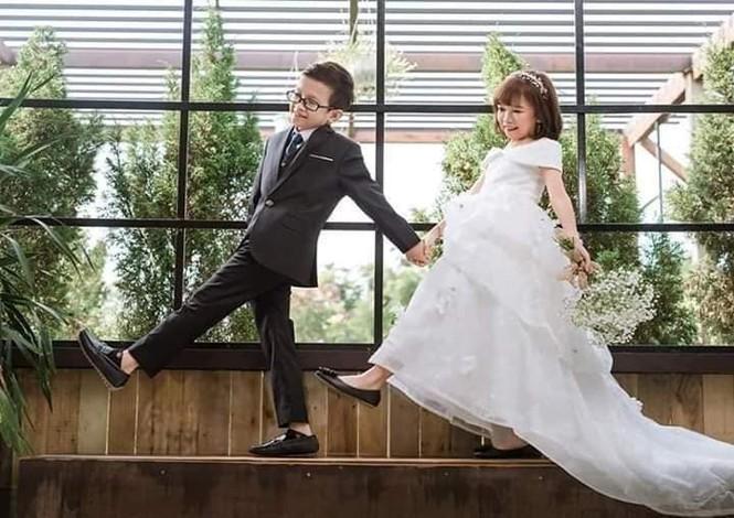 """Đám cưới của cặp vợ chồng """"tí hon"""" khiến nhiều người xúc động - ảnh 3"""