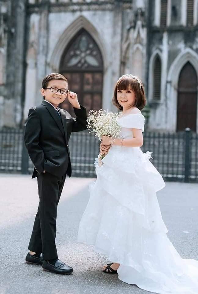 """Đám cưới của cặp vợ chồng """"tí hon"""" khiến nhiều người xúc động - ảnh 2"""
