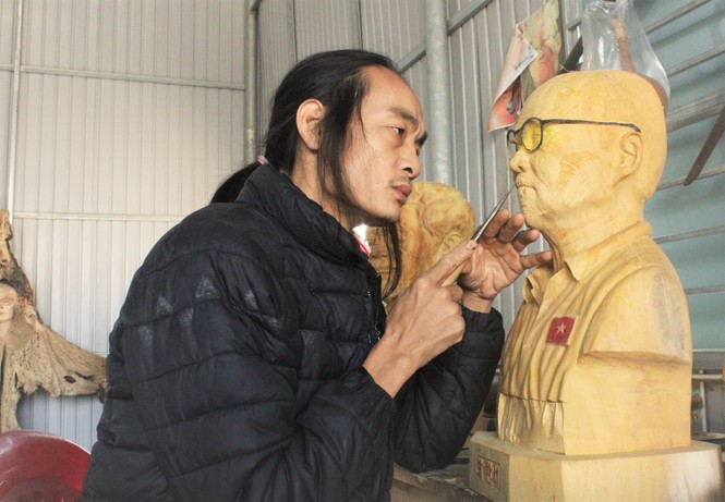 Chàng thợ mộc thức đêm làm món quà đặc biệt tặng HLV Park Hang Seo  - ảnh 1