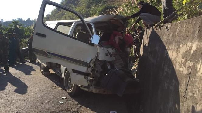 Xe chở người khuyết tật bị nạn ở biên giới, 2 người chết, nhiều người bị thương - ảnh 5