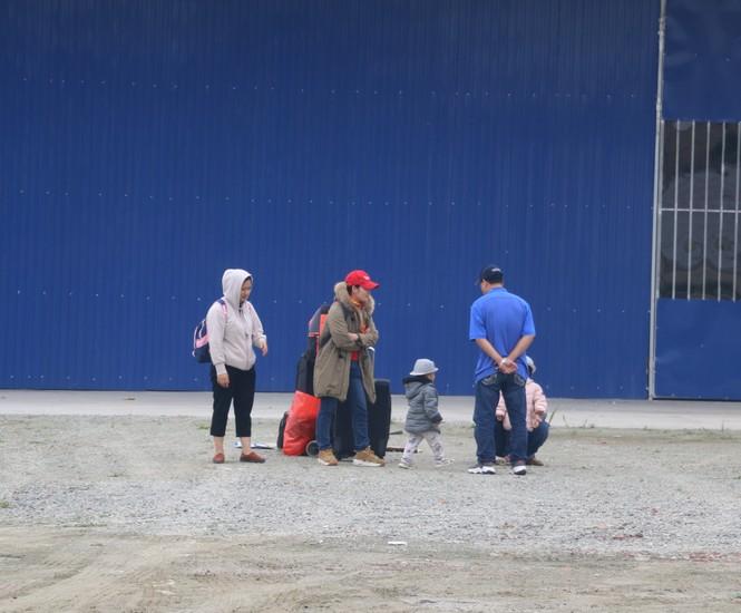 Sau tết, lao động Nghệ An hối hả đón xe vào Nam, ra Bắc - ảnh 11