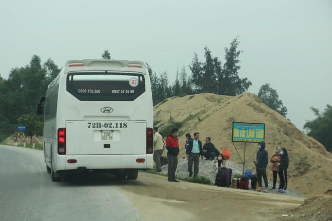 Sau tết, lao động Nghệ An hối hả đón xe vào Nam, ra Bắc - ảnh 7