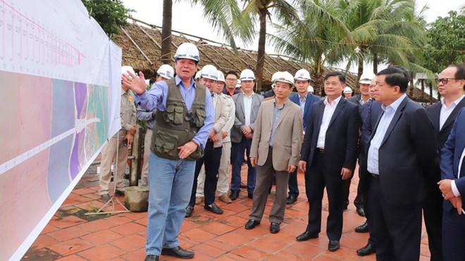 Hết cách ly, lãnh đạo tỉnh Nghệ An đến trụ sở làm việc - ảnh 1