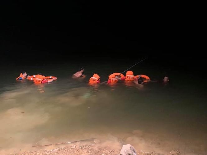 Đi đánh cá trong đêm, hai chú cháu bị đuối nước thương tâm - ảnh 2