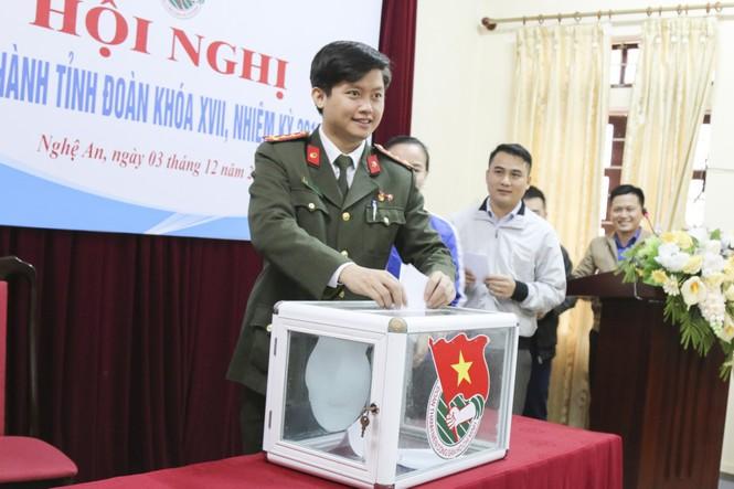 Anh Lê Văn Lương giữ chức Bí thư Tỉnh đoàn Nghệ An - ảnh 3