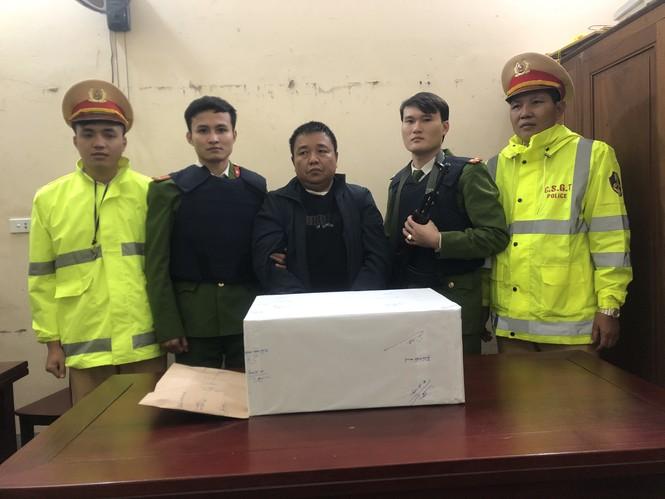Trinh sát dầm mưa trong đêm mật phục bắt giữ đối tượng mua bán 19 bánh heroin - ảnh 2