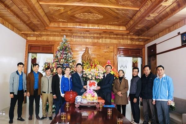 Tỉnh đoàn, Hội LHTN tỉnh Nghệ An chúc mừng các giáo xứ Lễ Giáng sinh 2020 - ảnh 1