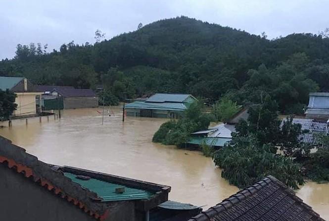 Rú Nguộc bị sạt lở, một huyện ở Nghệ An bị cô lập hoàn toàn - ảnh 6