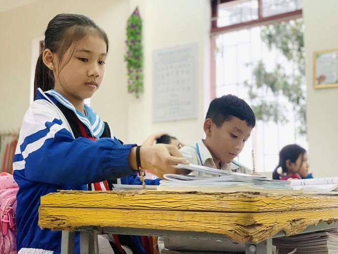 Nhiều trường học Hà Tĩnh chồng chất khó khăn sau lũ - ảnh 2