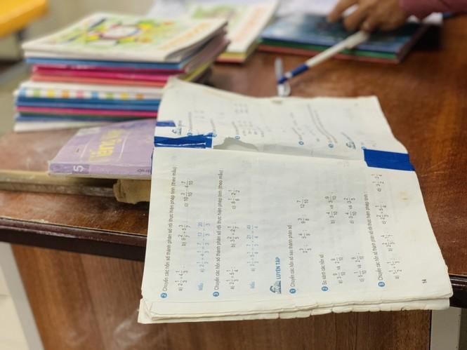 Nhiều trường học Hà Tĩnh chồng chất khó khăn sau lũ - ảnh 4