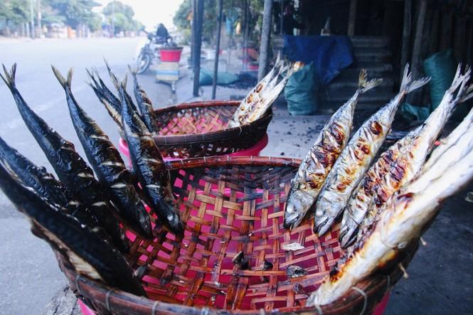 Thơm lừng làng cá nướng ngày Đông giá - ảnh 2
