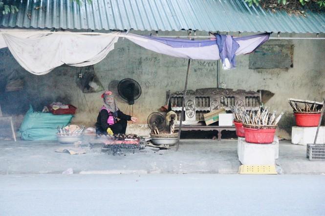 Thơm lừng làng cá nướng ngày Đông giá - ảnh 1