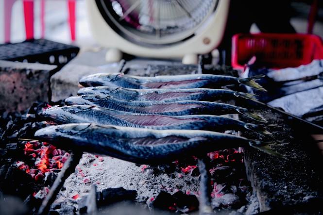 Thơm lừng làng cá nướng ngày Đông giá - ảnh 10
