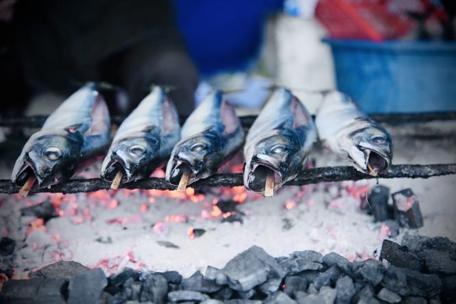 Thơm lừng làng cá nướng ngày Đông giá - ảnh 12