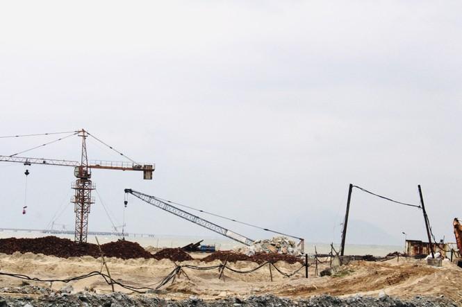   Cầu cảng gần 1.500 tỷ làm mãi không xong tiếp tục xin gia hạn - ảnh 1