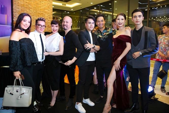 Dàn sao đình đám đi xem phim của 'vợ chồng' Đàm Vĩnh Hưng -Trang Trần - ảnh 4