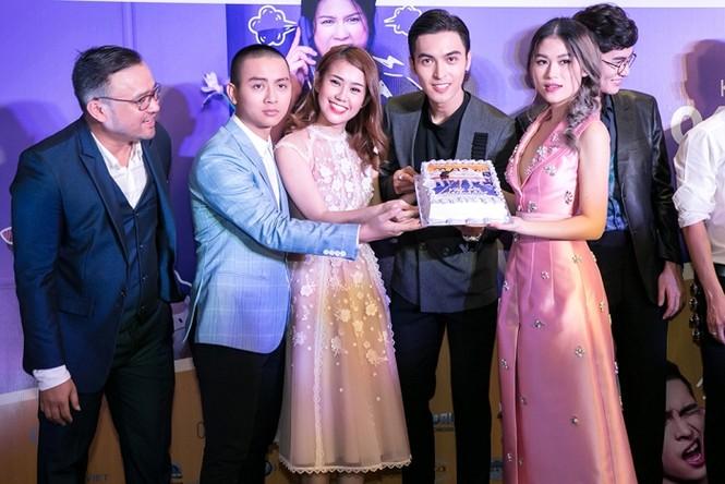 Dàn sao đình đám đi xem phim của 'vợ chồng' Đàm Vĩnh Hưng -Trang Trần - ảnh 5