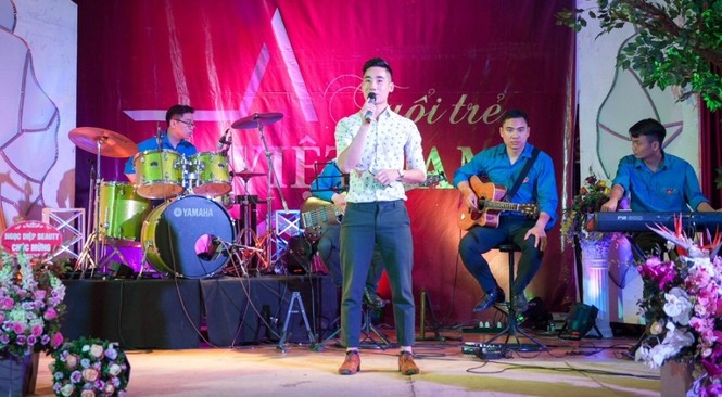 Dàn ca sĩ tham gia chuỗi chương trình thiện nguyện 'Tuổi trẻ Việt Nam' - ảnh 2