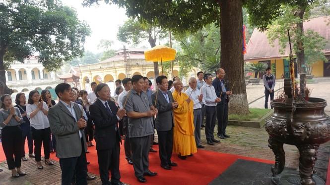 Ngắm hiện vật quý hàng trăm năm tuổi gắn với Phật hoàng Trần Nhân Tông - ảnh 1