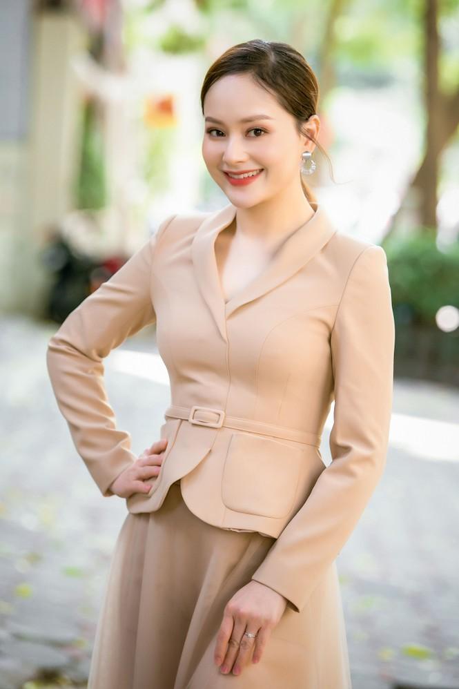 Ngắm nhan sắc 'gái một con' của diễn viên Lan Phương - ảnh 5