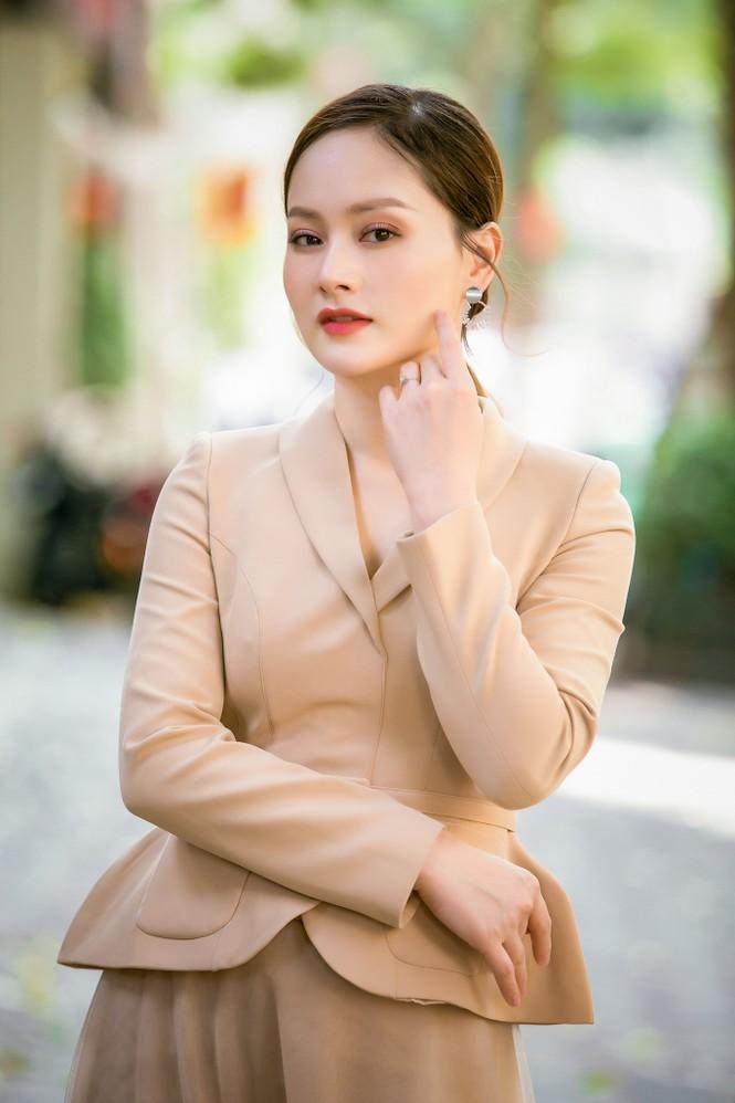Ngắm nhan sắc 'gái một con' của diễn viên Lan Phương - ảnh 1