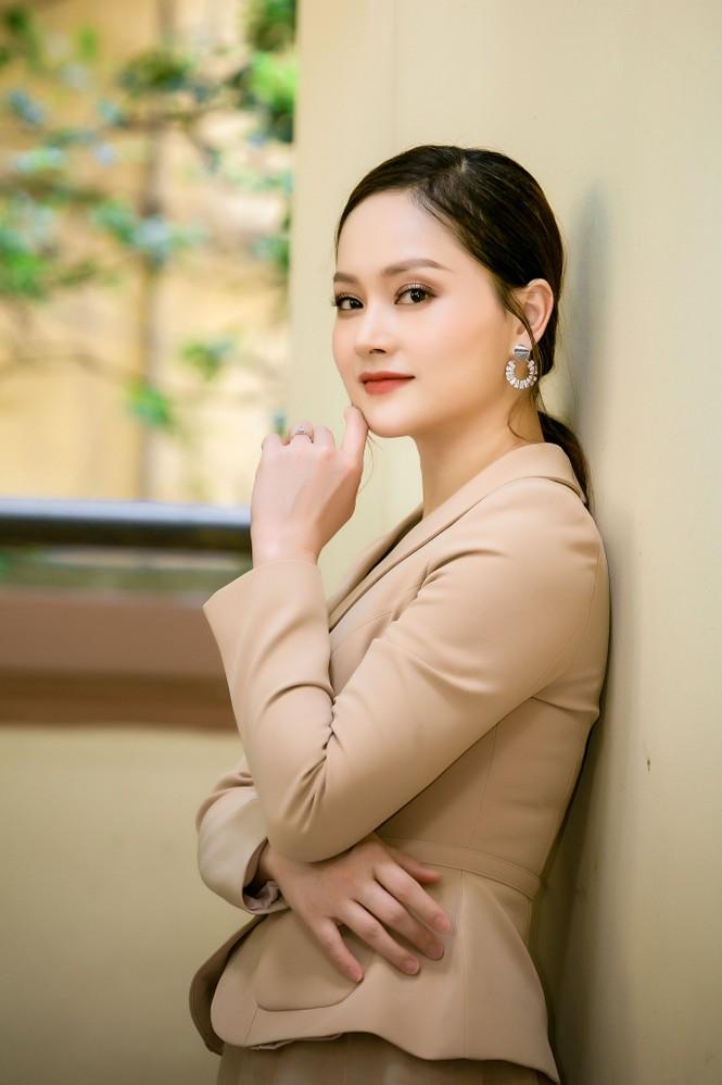 Ngắm nhan sắc 'gái một con' của diễn viên Lan Phương - ảnh 2