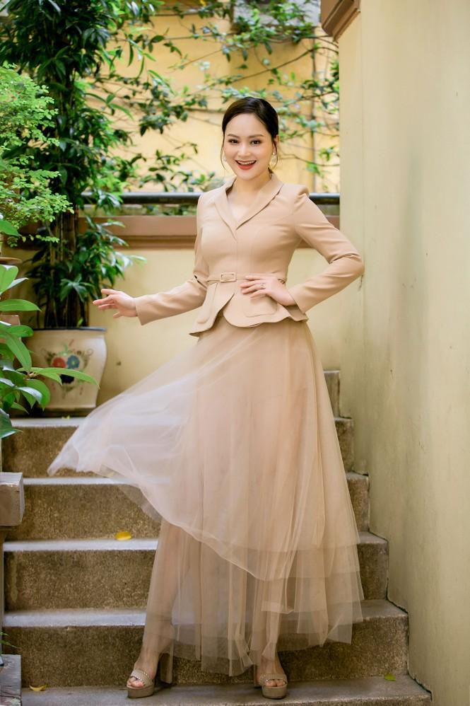 Ngắm nhan sắc 'gái một con' của diễn viên Lan Phương - ảnh 4