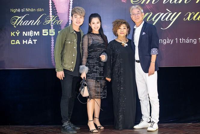 Việt Hoàn kể kỷ niệm suốt 7 đêm tìm cách trèo tường xem NSND Thanh Hoa hát - ảnh 2
