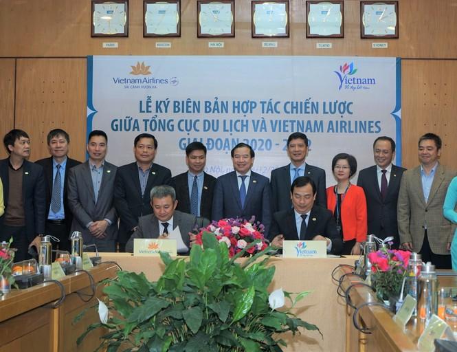 Vietnam Airlines hỗ trợ Tổng cục Du lịch quảng bá hình ảnh quốc gia - ảnh 1