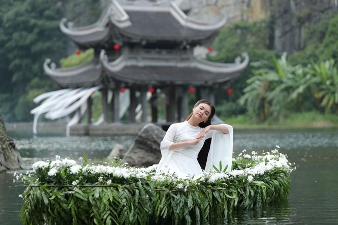 Phạm Phương Thảo khóc ngất trong phim ca nhạc đóng với Tiến Lộc - ảnh 2