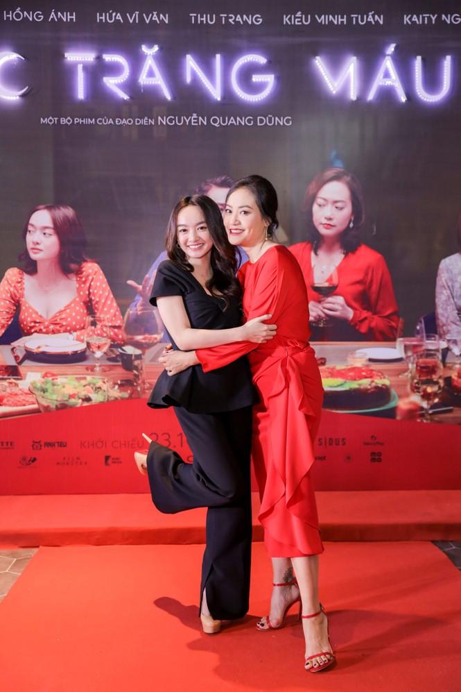 Kaity Nguyễn-Kiều Minh Tuấn và dàn sao 'Tiệc trăng máu' hội ngộ trên thảm đỏ - ảnh 4