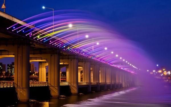 Đài phun nước cầu vồng lung linh ở Seoul  - ảnh 5