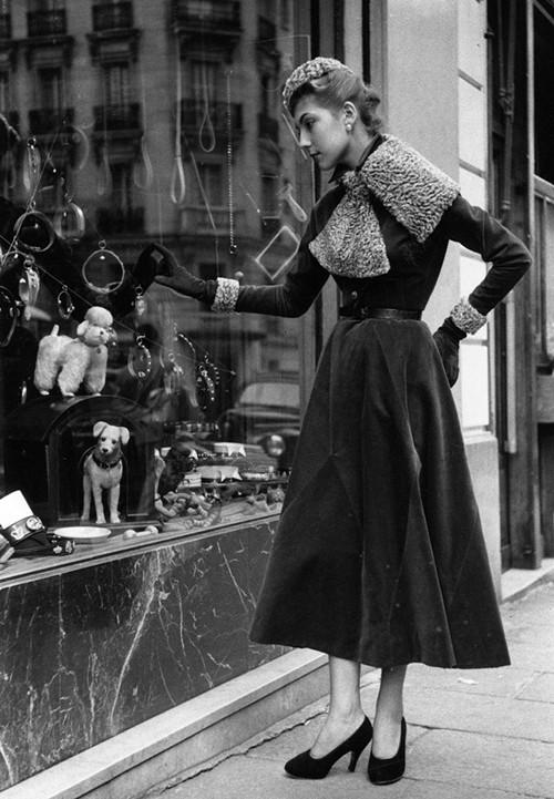 Phong cách dạo phố đẳng cấp của các quý cô xưa  - ảnh 7
