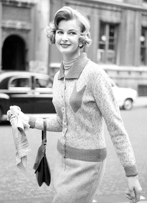 Phong cách dạo phố đẳng cấp của các quý cô xưa  - ảnh 20